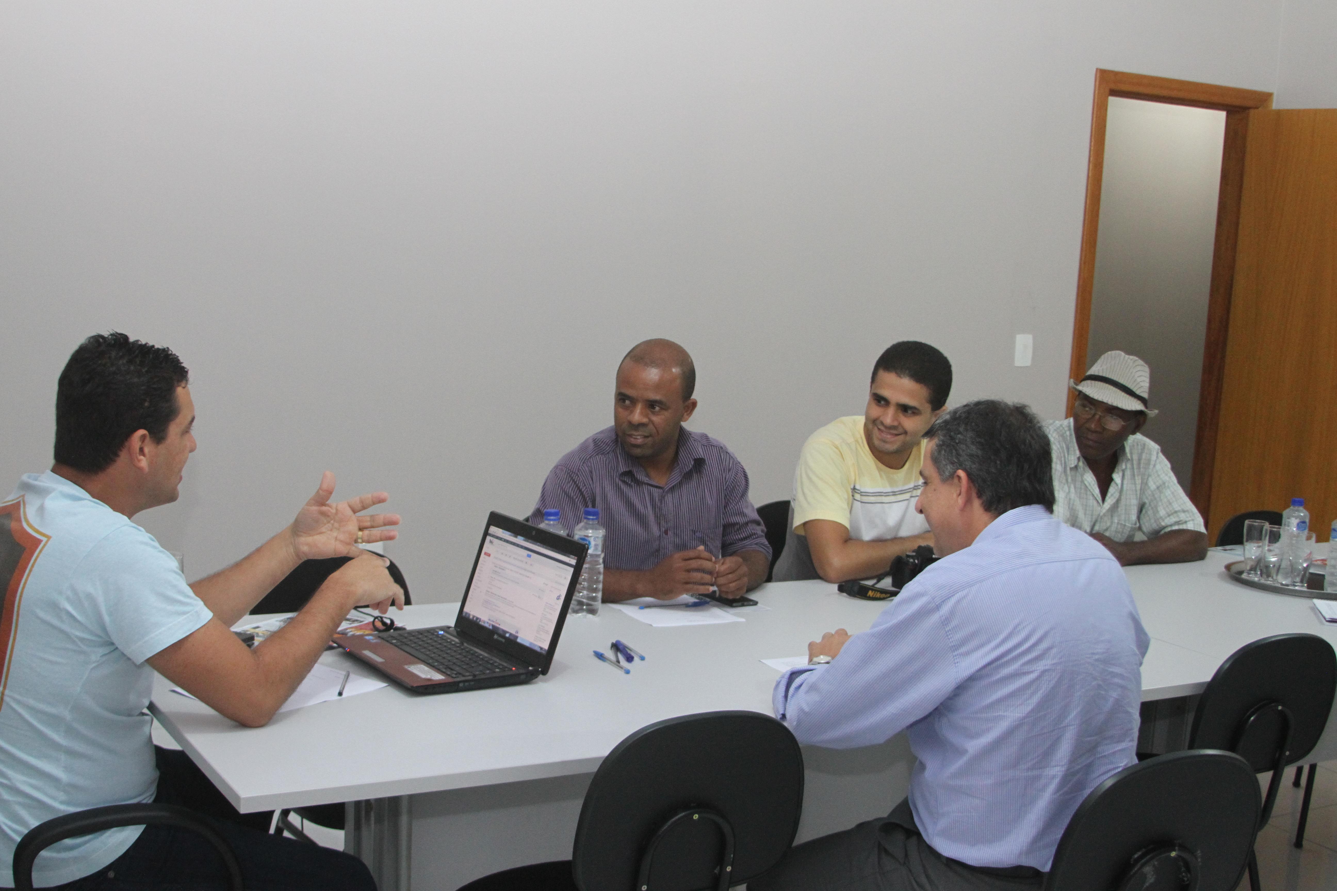 Aderes e Associação Comercial de Laranjeiras firmam parceria