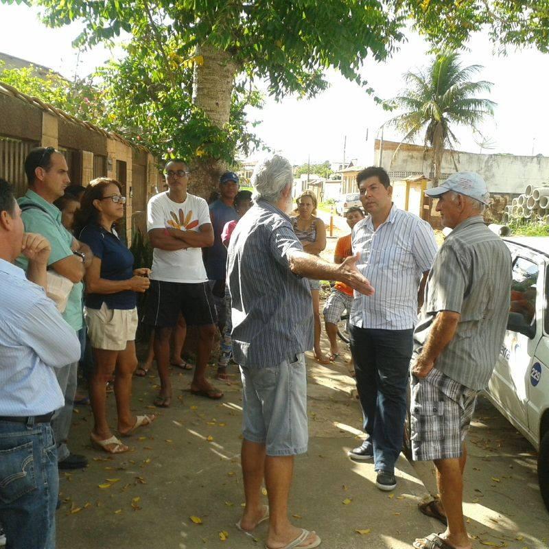 Paralisação de obras gera protestos em Nova Almeida
