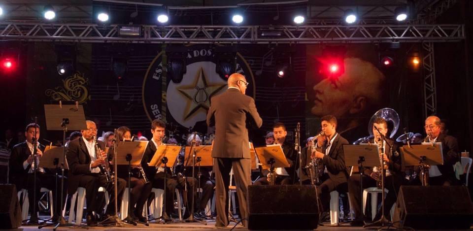 Banda Estrelas dos Artistas abrilhanta festa em Itaguaçu/ES