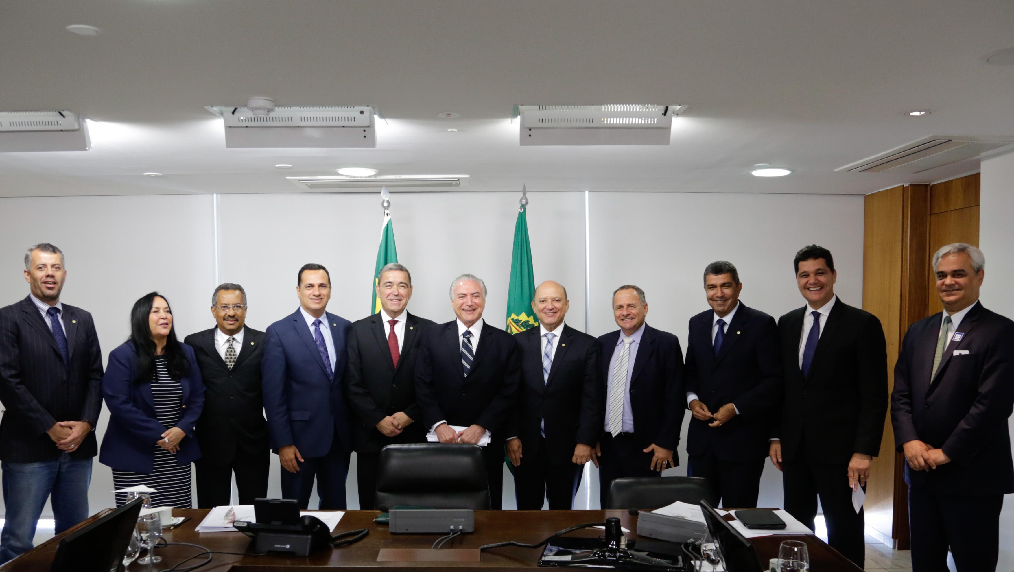 You are currently viewing Bancada Capixaba se reuniu com o presidente Michel Temer