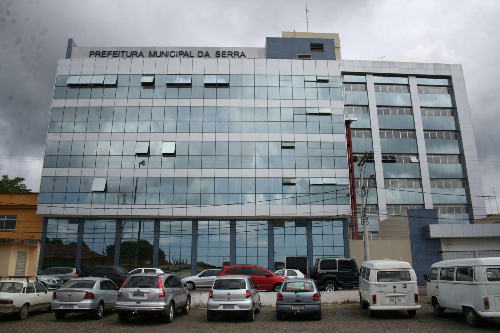 Prefeitura da Serra anuncia  mudança e cortes