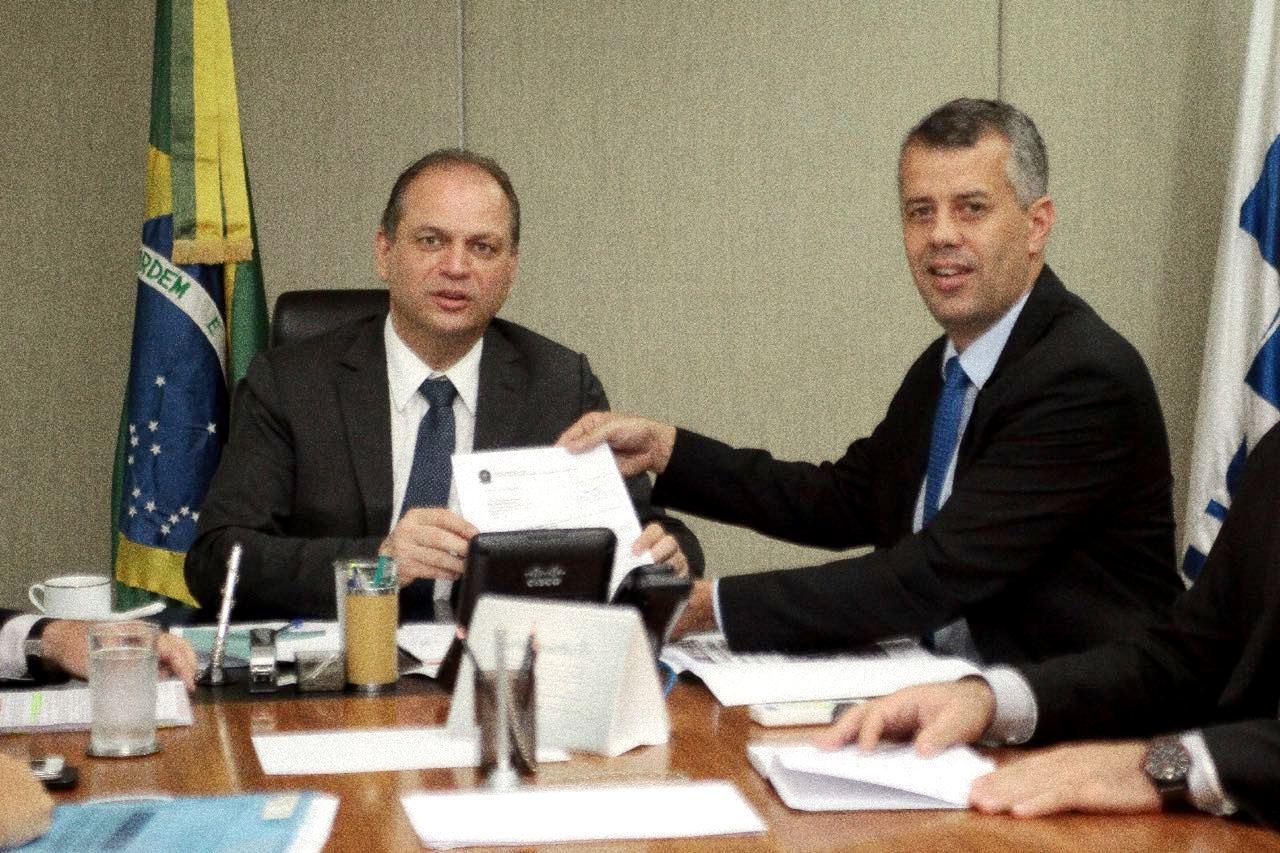 You are currently viewing Deputado Evair de Melo garante recursos para vacina contra a febre amarela
