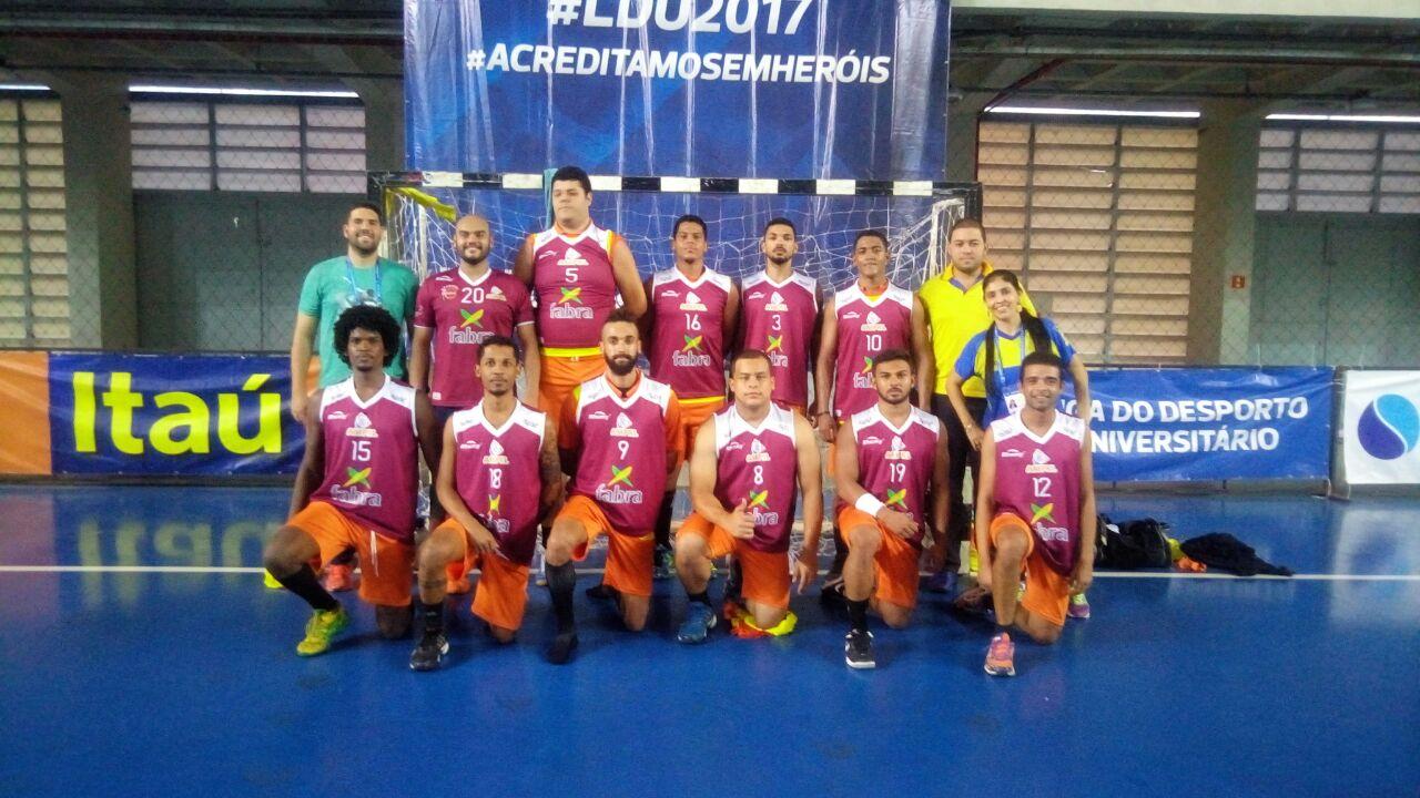 Por uma bola! HandLaranjeiras/Fabra  vence segundo jogo da Liga Universitária 2017