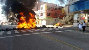 Read more about the article Protesto dos camelôs da Avenida Central continua