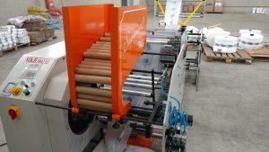 Read more about the article Vendo máquina que produz bobina picotada fundo reto e fundo estrela